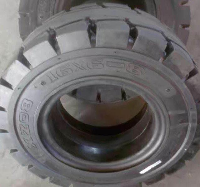 貴陽叉車輪胎廠價出售