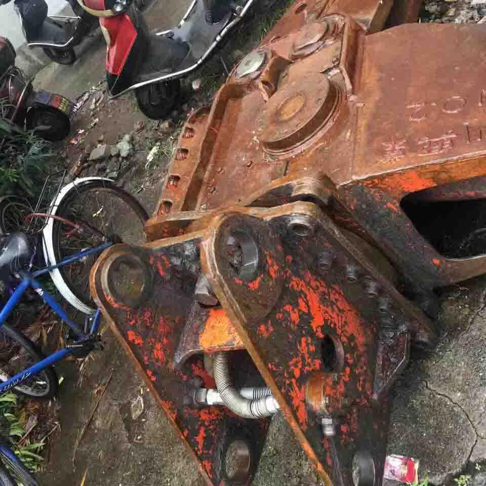 贵州挖掘机配件回收