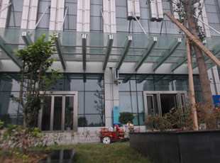 郑州玻璃雨棚