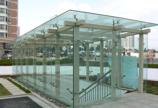 钢结构玻璃雨棚安装