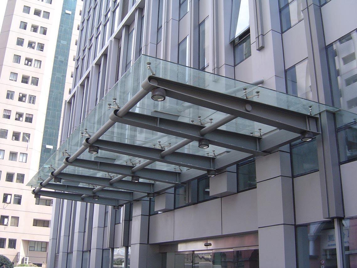 首页 供应产品 玻璃雨棚 制作玻璃雨棚   公共停放自行车没有雨棚是不