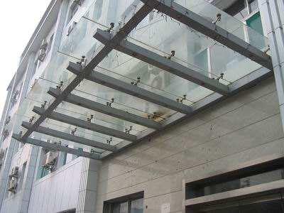 大厦玻璃雨棚