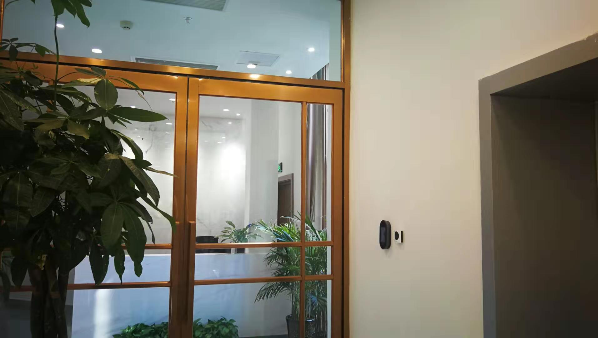 郑州钢化玻璃门