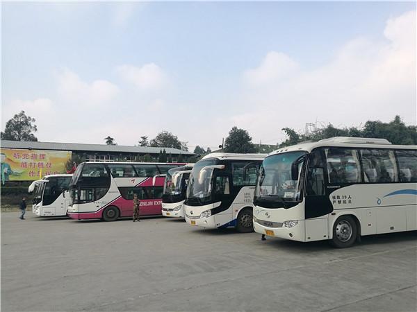 四川成都市大巴租赁公司