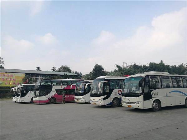 四川成都市旅游车租赁公司