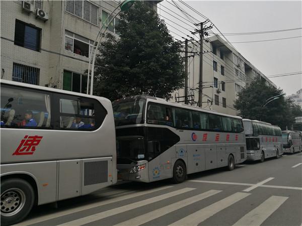 四川成都市租客车