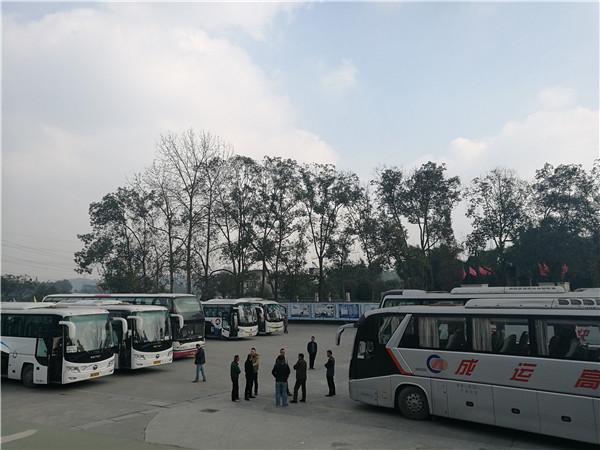 四川成都市租通勤车