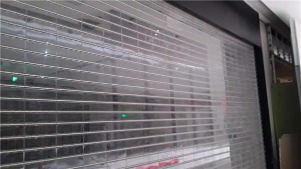 安装商场水晶卷帘门