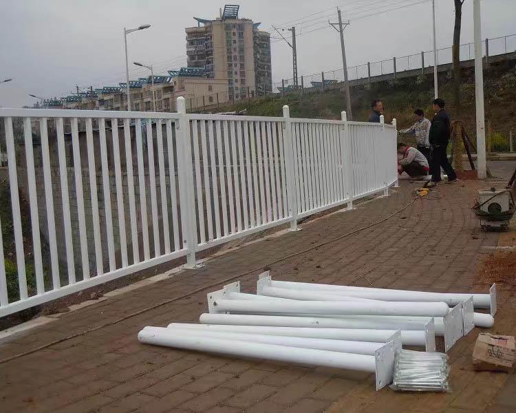人行道护栏安装