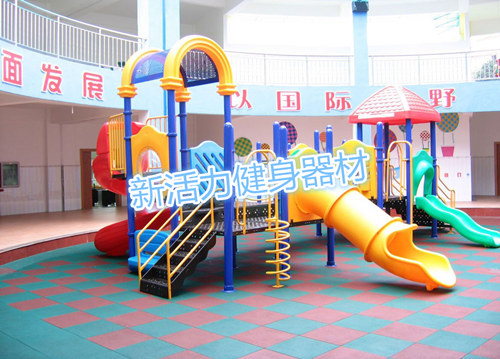室外幼儿园滑梯