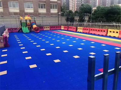 幼儿园悬浮地板公司