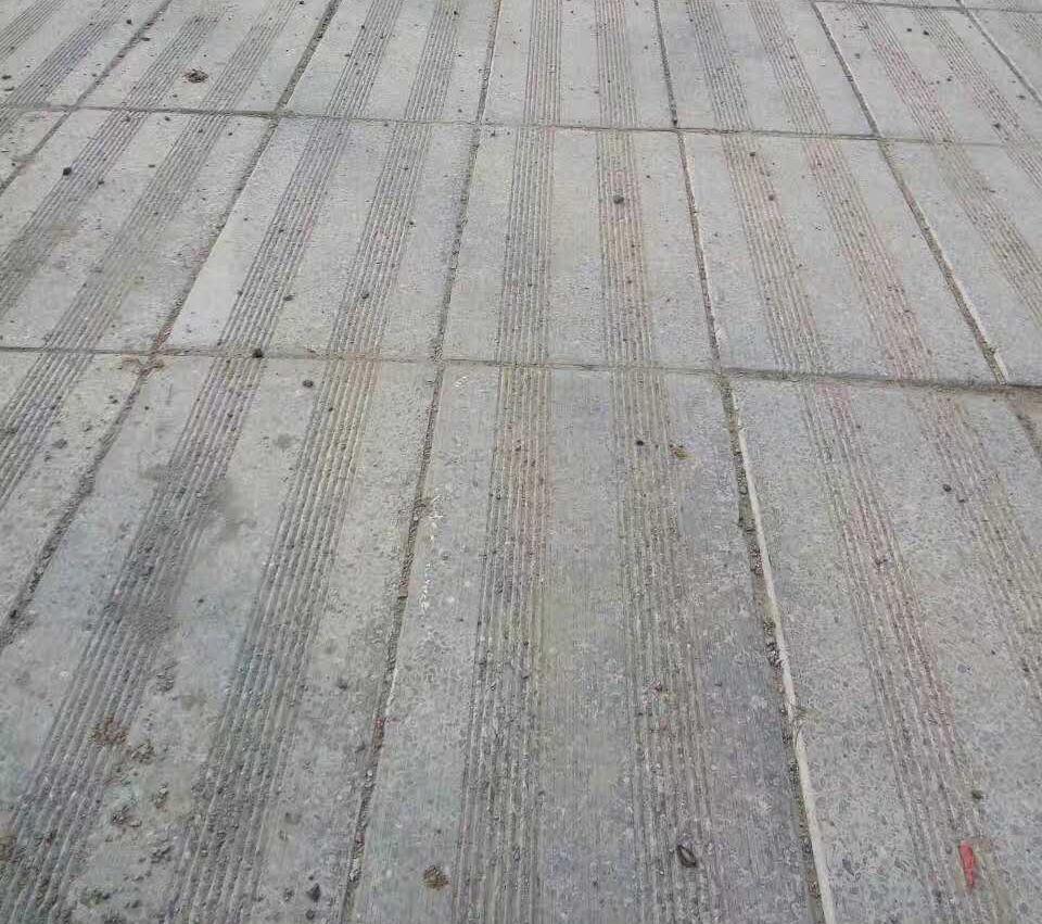 仿石条纹砖