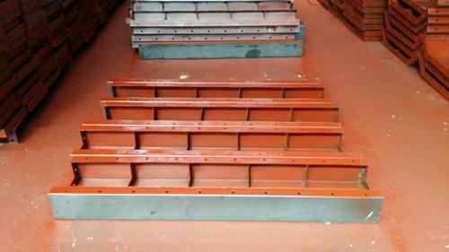 定型组合钢模板