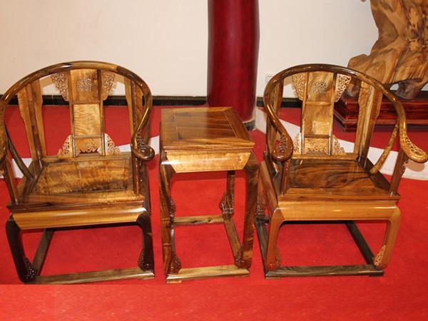 金丝楠木圈椅价格