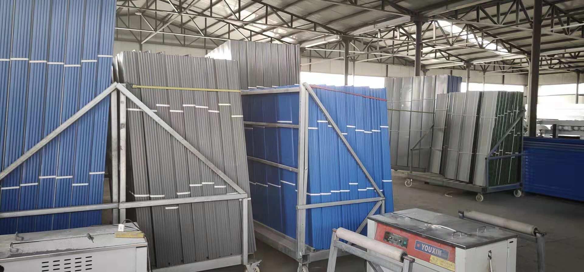 彩钢板围挡施工