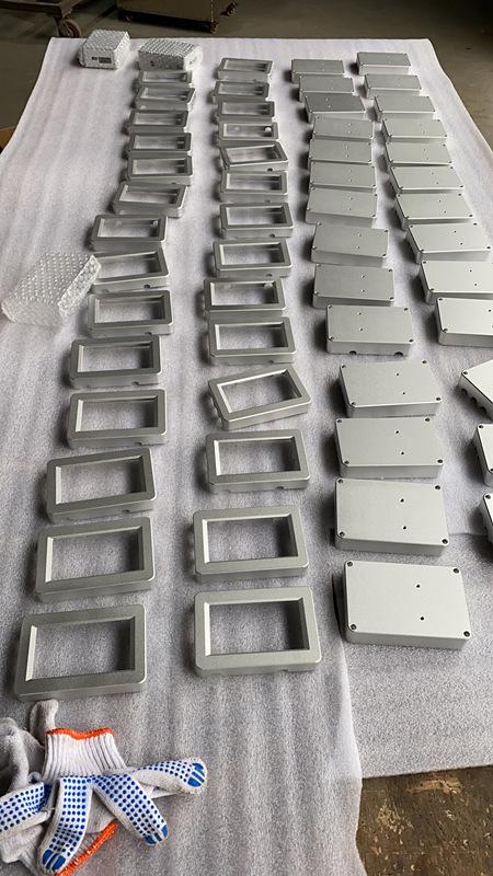 CNC机壳检验包装