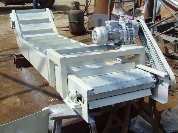 链板式输送机设计