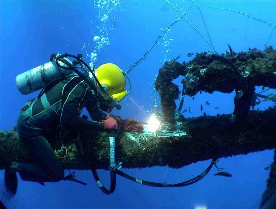 水下钢管桩拆除