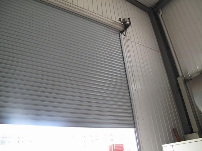 抗风卷帘门