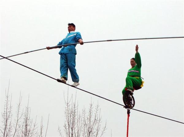 广州高空走钢丝