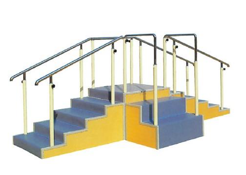 训练用阶梯(三向)