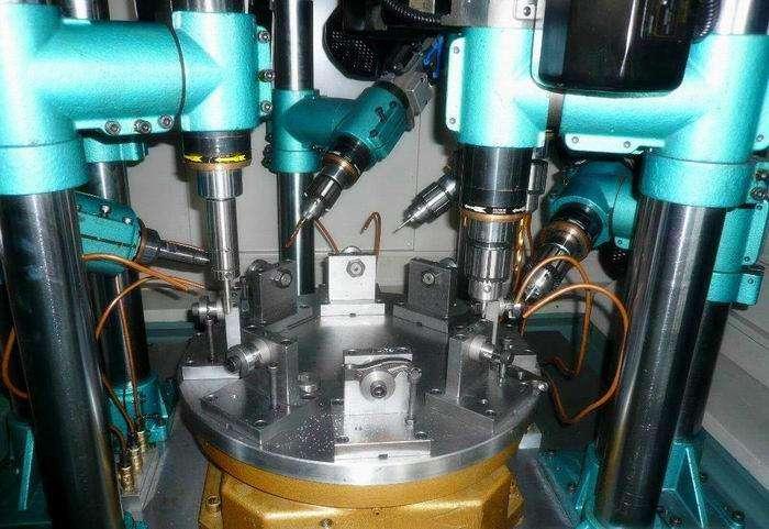 多工位轉盤式鑽攻組合機床