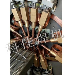 椭圆型骨架焊机