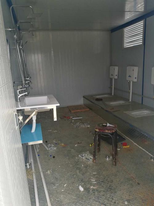 住人集装箱厕所