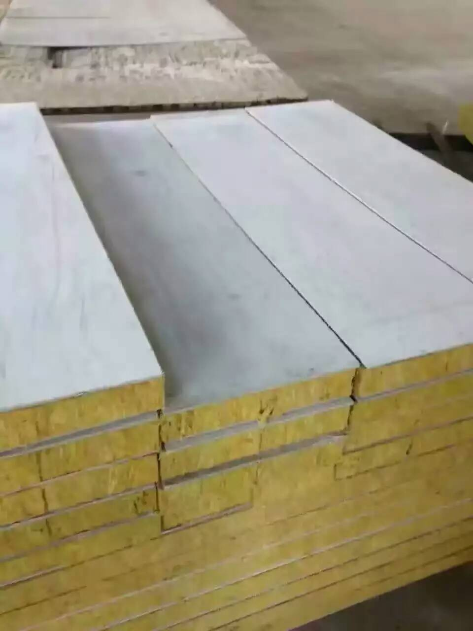 麻城岩棉彩鋼板廠家