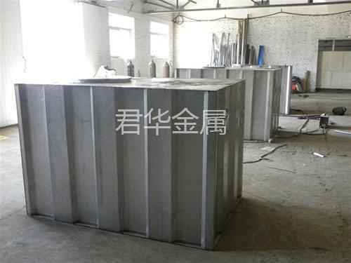 不锈钢肋板水箱安装