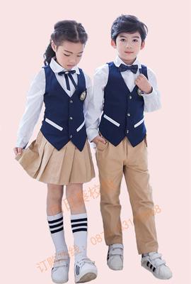 小�W生校服