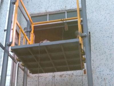 施工升降机