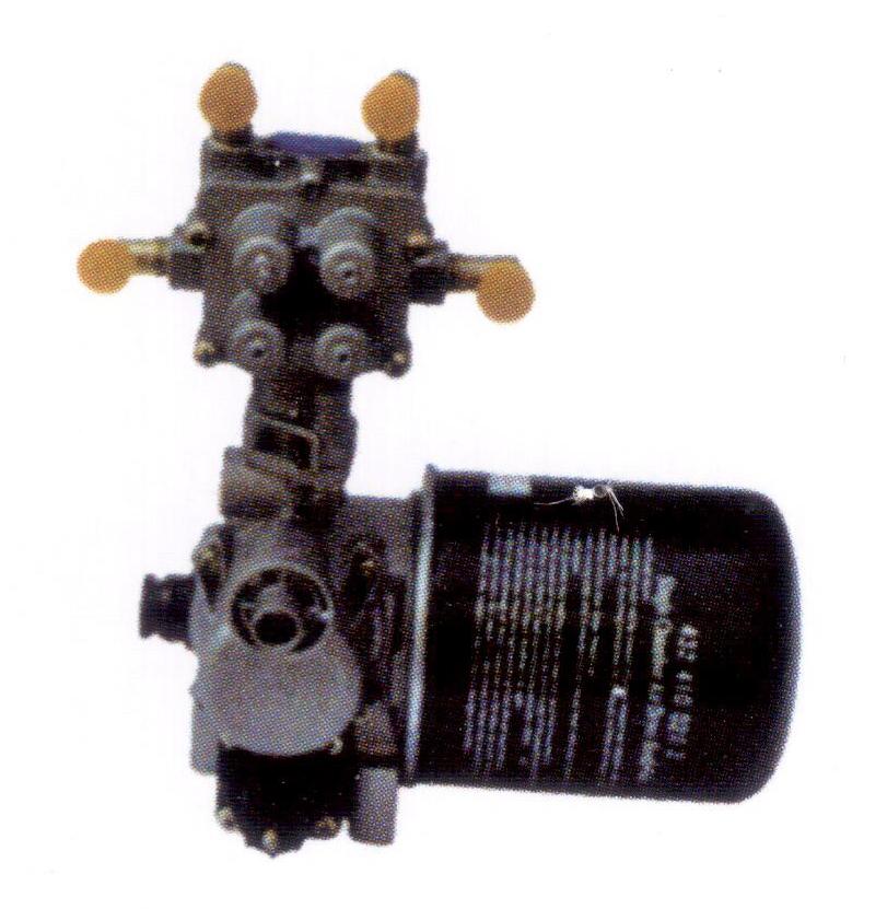 青气四回路干燥器