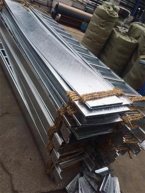 铝合金桥架安装