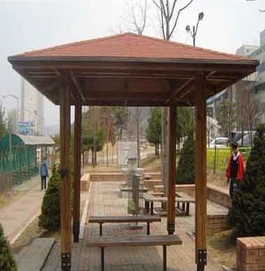 兴义碳化木凉亭