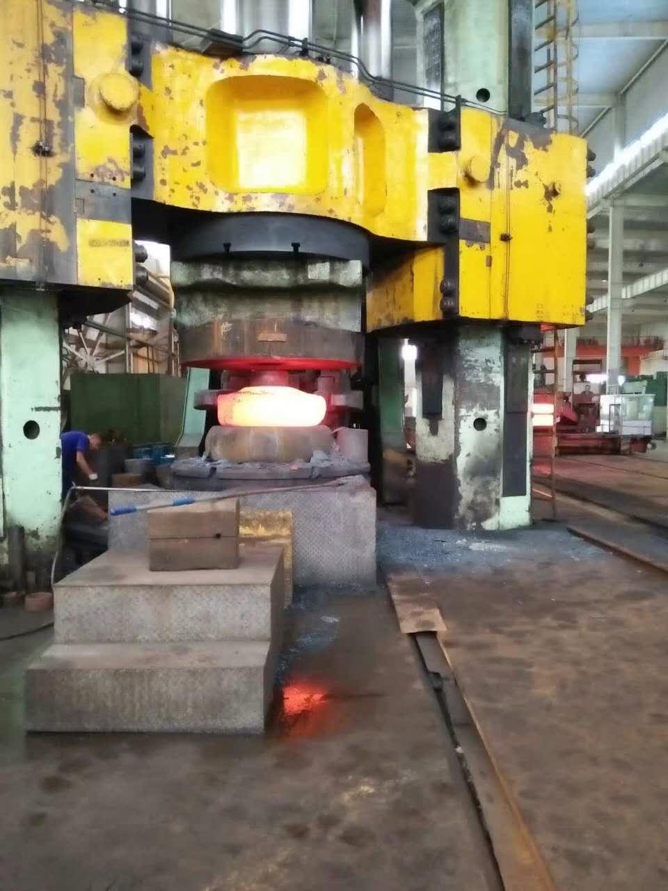 上海6000吨锻造液压机