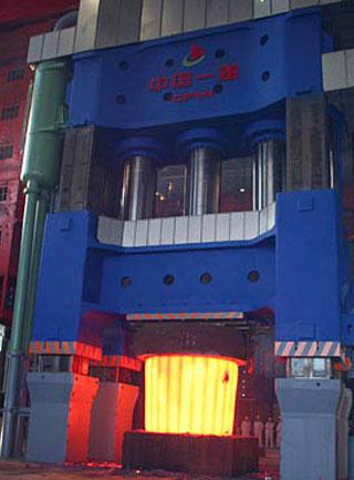 江苏盐城巨型模锻液压机
