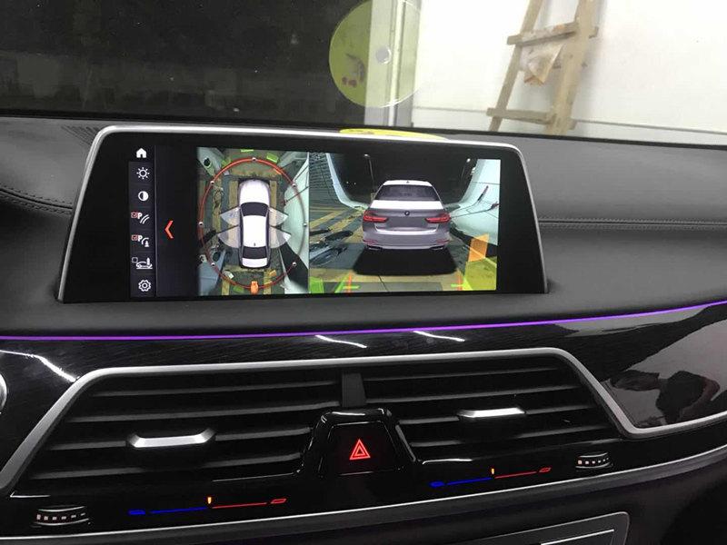 宝马G12改装360全景+原厂香氛+无线充电