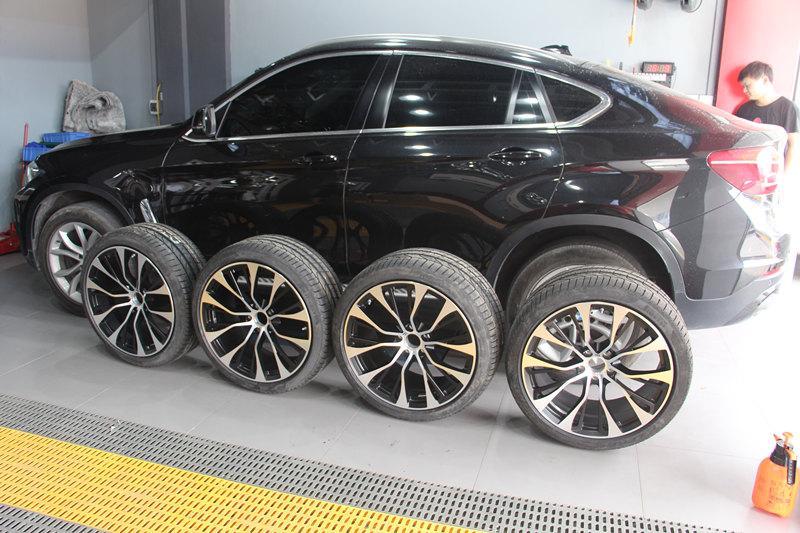 宝马X6改装21寸锻造轮毂+轮胎+M3方向盘+胎压监测
