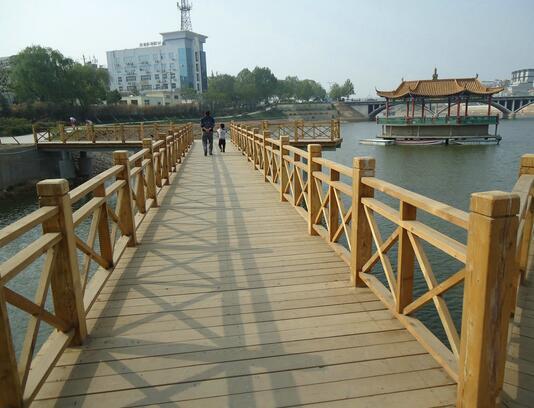 黔西防腐木护栏