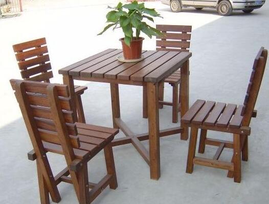 黔西防腐木桌椅