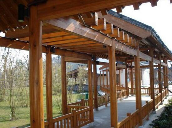 黔西防腐木长廊