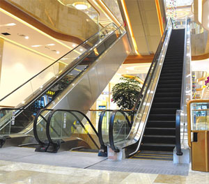 【优选】施工电梯安装注意事项 舒适的乘坐体验