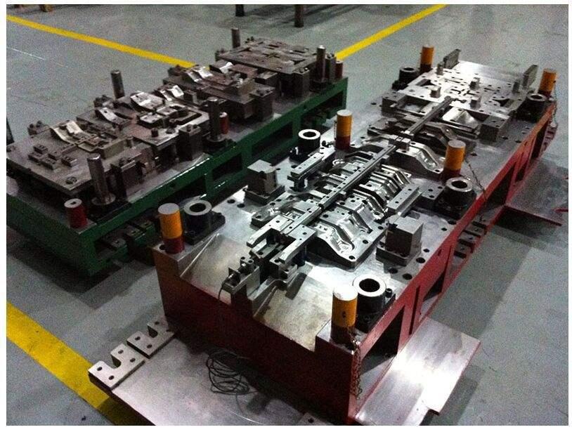 汽车冲压模具铸件铸造