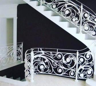 成都铁艺楼梯安装