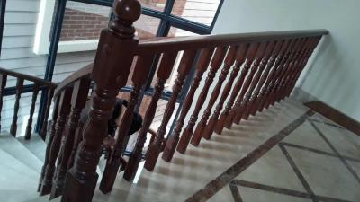 成都实木楼梯栏杆