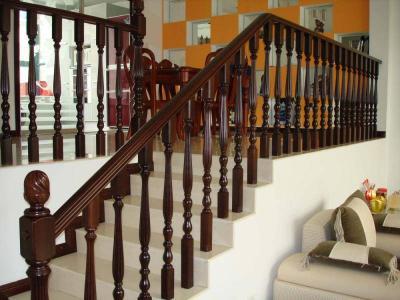 成都实木楼梯栏杆定制
