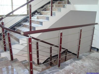 成都钢木楼梯栏杆价格