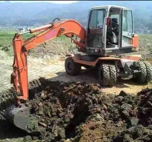 河北輪式挖掘機出租