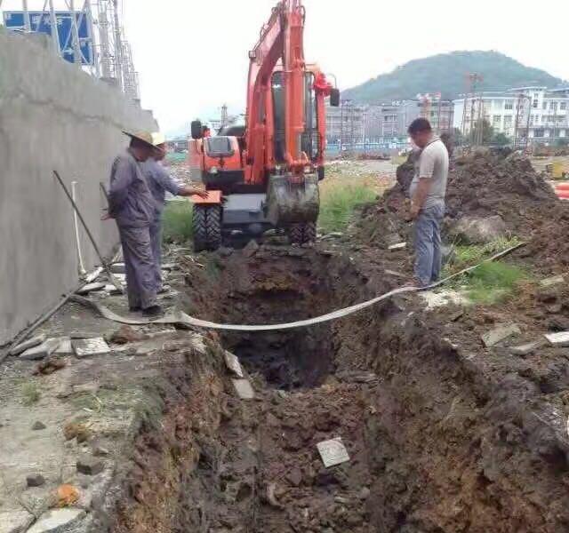 河北輪式挖掘機價格
